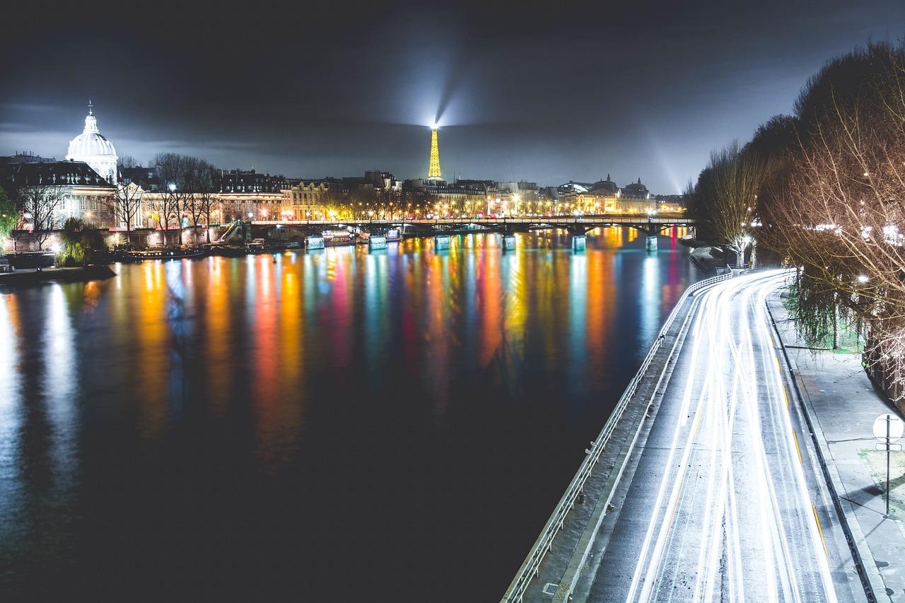 paris-1210005_1280